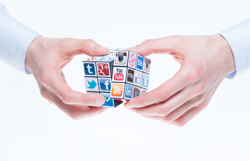 Banco Mediolanum Redes Sociales