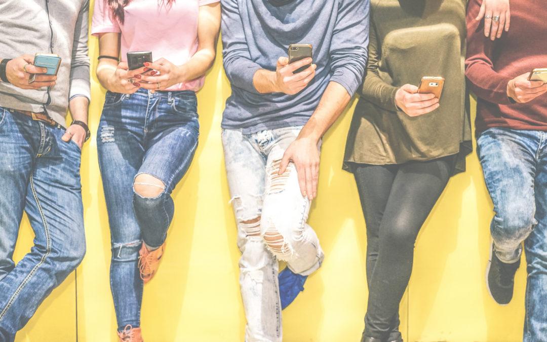 Generación Z: los nuevos ahorradores, entre la digitalización y el contacto personal
